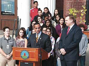 Mayor Joseph Curtatone joined Concussion Legacy Foundation's Chris Nowinski, last Wednesday to announce the city's partnership with the foundation.